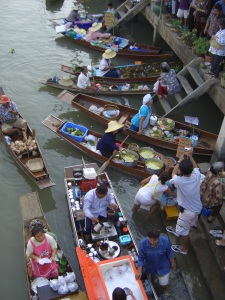 floating-market-1529642-639x852